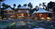 soneva_kiri_koh_kood_2011_hill_villa_night_exterior_view_800x430_web