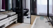 11_mirrors_hotel_kiev_bathroom_800x430_web