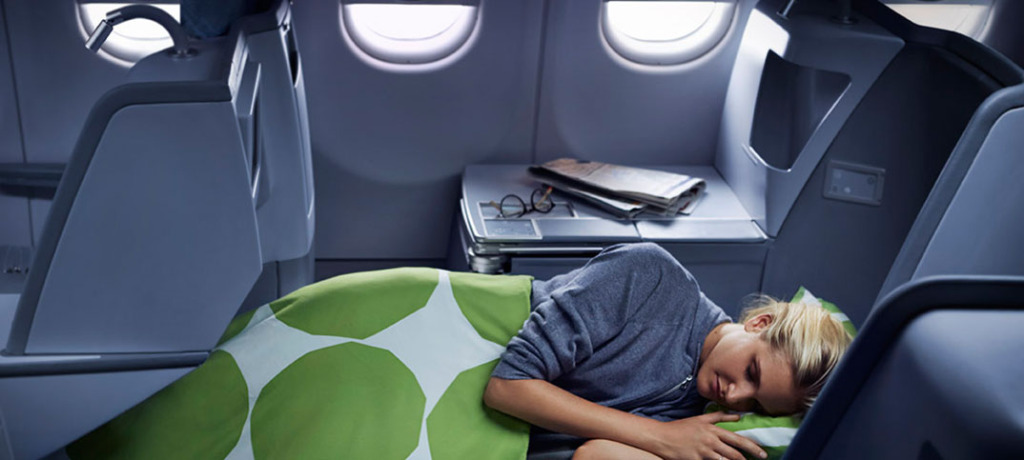 finnair_business_class_woman_1074x483_web