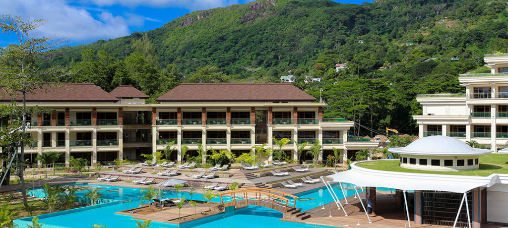 savoy_resort_spa_outside_overview_1073x483_web