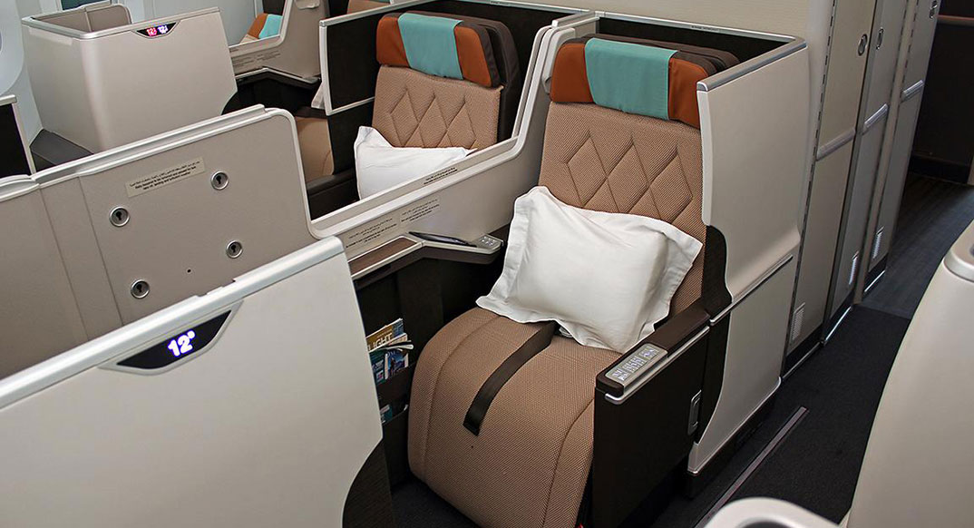 oman_air_business_class_787_1074x582_web